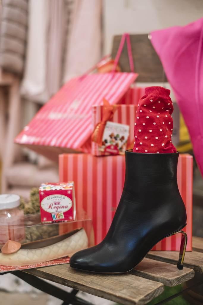 venice Italy fashion luxury boutique woman style ramo dei fusser pot pourri