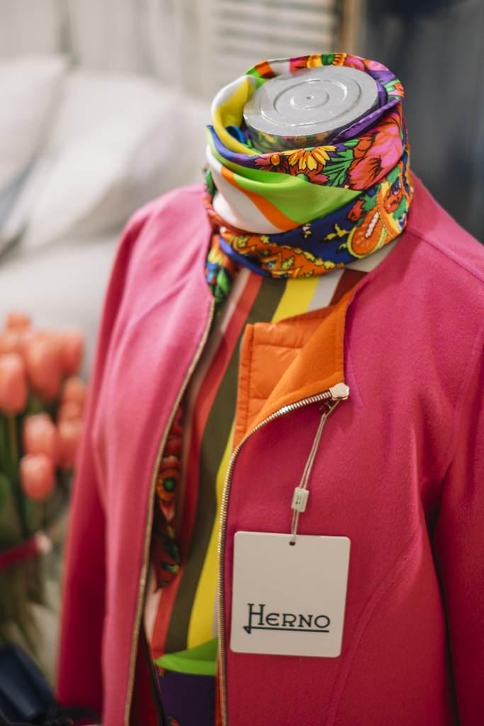 womenswear Venice Italy shop